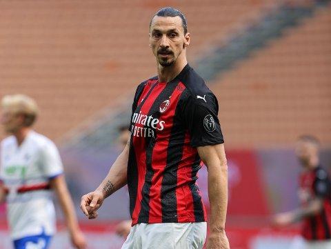 FORTSETTER TROLIG: Milans superveteran Zlatan Ibrahimovic. Her i aksjon i Serie A-kampen mot Sampdoria og Morten Thorsby tidligere i påsken.