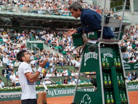 KRANGLET: Novak Djokovic fikk påtale for usportslig opptreden under kampen mot useedede Diego Schwartzman.