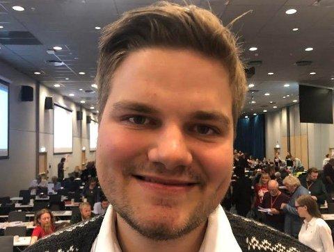 Leder i Rød Ungdom, Tobias Drevland Lund, vil at Rødt skal si tydelig nei til bomstasjoner.