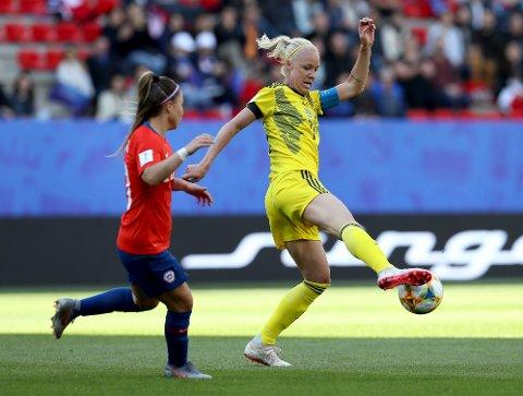 Sveriges kaptein Caroline Seger i aksjon i kampen mot Chile. En kamp Sverige vant 2-0.