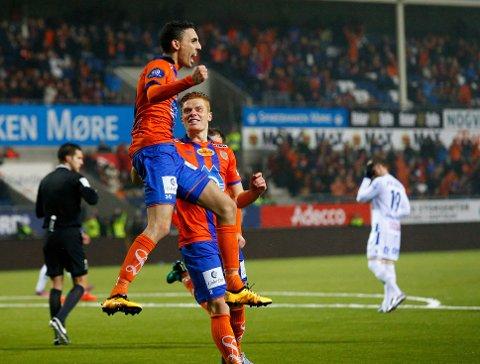 DOBBEL: Aalesund-spiss Mos Abdellaoue jubler for ett av to mål i en underholdende kamp mot Haugesund.