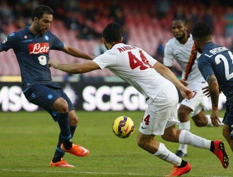 MÅL: Gonzalo Higuain scoret mot Roma.