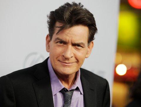 HARDT: Charlie Sheen har aldri lagt skjul på at han liker å leve hardt.