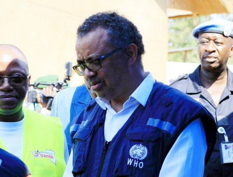 WHOs generaldirektør Tedros Adhanom Ghebreyesus er oppgitt over rike land som prioritere seg selv før fattige land med dårlig utbygd helsevesen, og samtidig driver prisene på vaksinen opp.