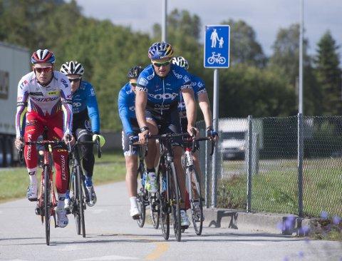 IMPONERTE: Peter Northug ladet opp med sykkeltur.