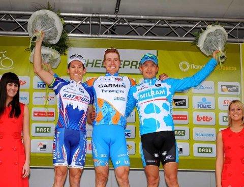 PÅ PODIET: Robbie McEwen (f.v.), Tyler Farrar og Robert Förster fikk mest oppmerksomhet i etterkant av sprinterklassikern Scheldeprijs Vlaanderen.