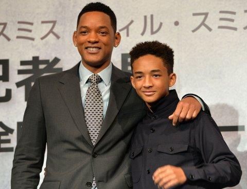 DÅRLIG SAMARBEID: Will Smith og sønnen Jaden spilte henholdsvis birolle og hovedrollen i fjorårets «After Earth». Innsatsen ga dem begge hver sin «årets verste»-pris, samt prisen for verste filmradarpar.