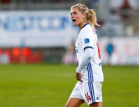 MOT SEMIFINALE: Ada Hegerberg og Lyon tok et langt steg mot semifinalen i Champions League med 2-0-seieren over Caroline Graham Hansens Wolfsburg. Her fra 16-delsfinalen mot Avaldsnes.