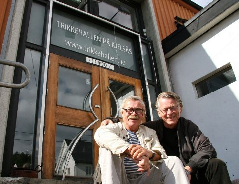 sammen: Stein Thoresen (til venstre) og Harald Opheim stiller ut på Trikkehallen i ukene fremover.