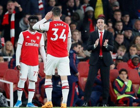 DÅRLIG STEMNING: Granit Xhaka reagerte på denne måten da han pepet av banen av Arsenals egne fans.