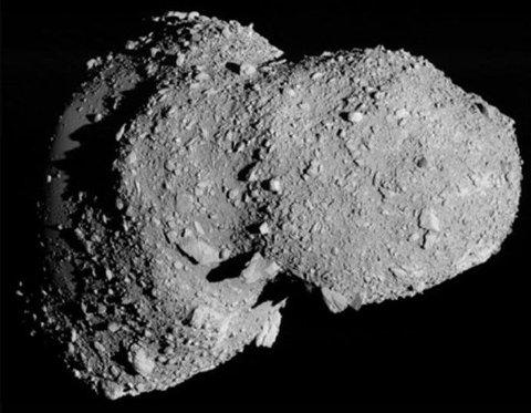 FARETRUENDE NÆRE: Vi kjenner i dag til om lag 1500 asteroider med en bane som står i fare for å krysse jordens på akkurat feil tidspunkt. For astrofysikerne er det ikke spørsmålet om, men når. Og hva vi kan gjøre med det.