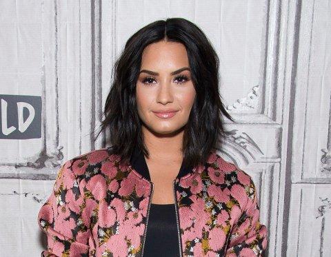 PANSEKSUELL: Demi Lovato står fram som panseksuell i Joe Rogans podcast.