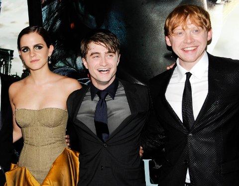 HOVEDROLLENE: Emma Watson (t.v), Daniel Radcliffe og Rupert Grint (t.h) hadde hovedrollene i de åtte «Harry Potter»-filmene.