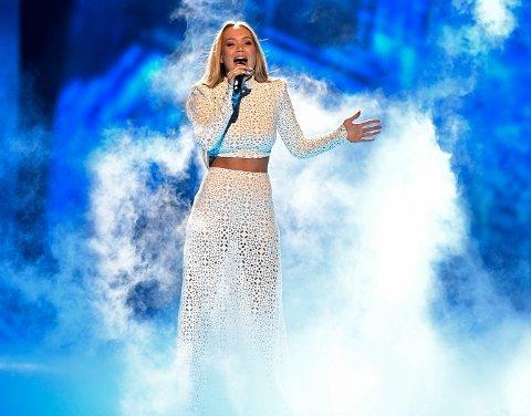 SEMIFINALE: Nå gjelder det for Agnete. Hun går på scenen som nummer 16 i kveldens semifinale, og håper å være en av ti som går videre til finale.
