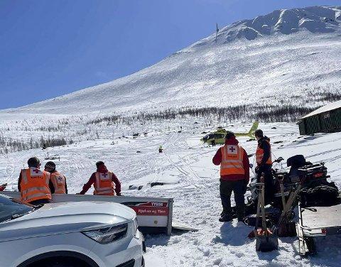 Hjelpemannskaper i aksjon ved Gaustatoppen der det gikk et større skred lørdag ettermiddag. Foto: Telemark Røde Kors Hjelpekorps / NTB