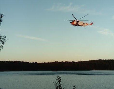 ULYKKE: Totalt tre helikopter er satt inn i redningsaksjonen ved Krusetjern, hvor en jente skal ha druknet.