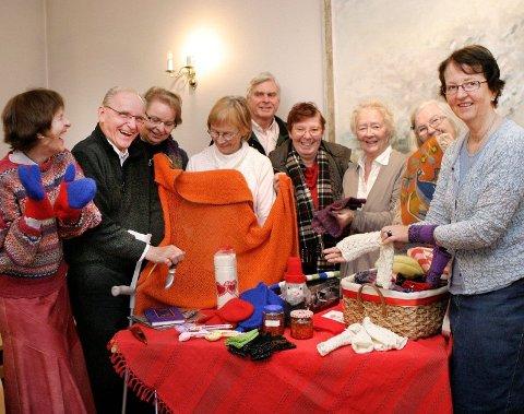 Glad gjeng: Julemesse-gjengen er klare for å samle små og store i Røa kirke.
