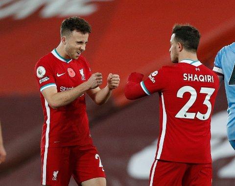 Diogo Jota og Xherdan Shaqiri jubler etter seieren mot West Ham i forrige hjemmekamp.