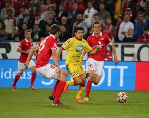 NYTT POENG: Tarik Elyounoussi og Hoffenheim fikk med seg et viktig poeng fra møtet med Mainz.