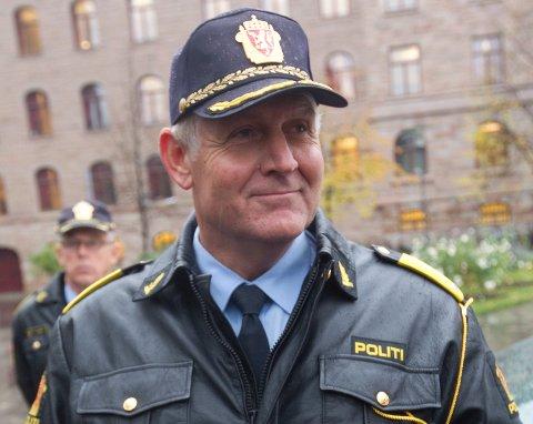 Sjef i utrykningspolitiet, Rune Karlsen, sier det er et ansvar vi har som trafikanter å si fra dersom vi vet om noen eller mistenker at noen fyllekjører.