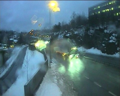 PÅKJØRSEL TIRSDAG MORGEN: Bildet er hentet fra webkamera på E39 i Fidjane i Kristiansand tirsdag morgen.