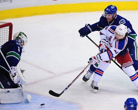 NY ASSIST: Mats Zuccarello Aasen og hans New York Rangers slo Vancouver Canuks.