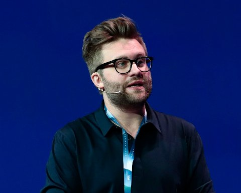 Stortingsrepresentant Stefan Heggelund (H) oppfordrer flere til å finlese Rødts program.