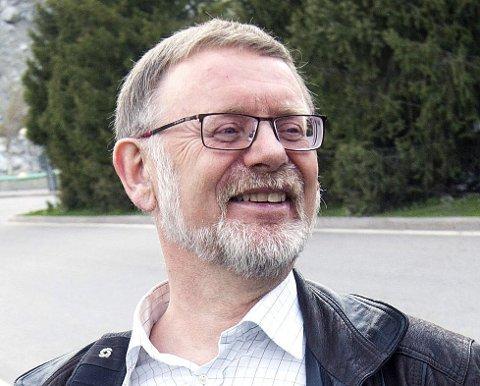 OMKOM: Den norske diplomaten Leif H. Larsen omkom under en helikopterstyrt i Pakistan fredag.
