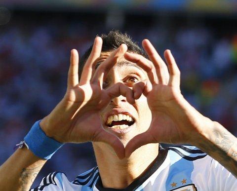FRELSTE ARGENTINA: Angel di Maria sørget for blåhvit jubel da han satte inn matchvinnerscoringen mot Sveits i det 118. minutt.