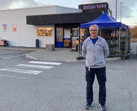 Kjøpmann Tore Lie Nesse hos Rema 1000 på Manger opplevde lørdag å få sin andre Lotto-millionær i butikken på under et halvt år. Foto Privat