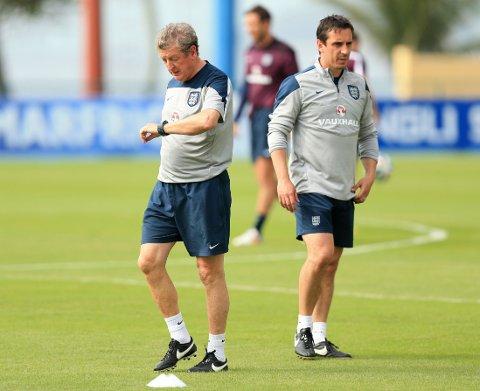 ARVTAKEREN? Er Gary Neville mannen som skal erstatte Roy Hodgson? Michael Owen mener i hvert fall det.