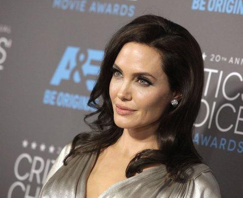 NY OPERASJON: Angelina Jolie fjernet brystene for to år siden. Nå har hun også tatt eggstokkene.