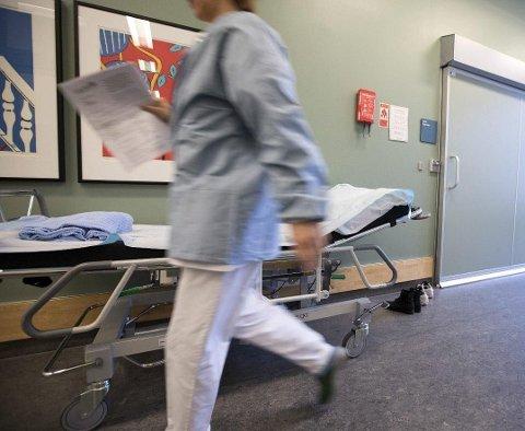 - Ifølge SSB vil vi mangle 28.000 sykepleiere i 2035. Politikerne må få opp øynene og gi sykepleierne en betydelig lønnsøkning, slik at vi føler at jobben vi gjør, blir verdsatt, skriver sykepleier Malin Jensen.
