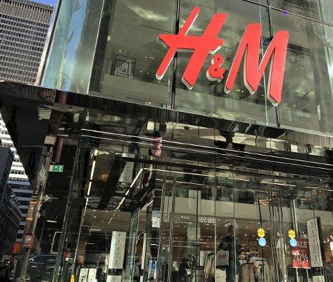 FOSSER FREM: Hennes & Mauritz øker omsetningen kraftig og øker antall butikker, der konkurrenter må legge ned og har gått konkurs.