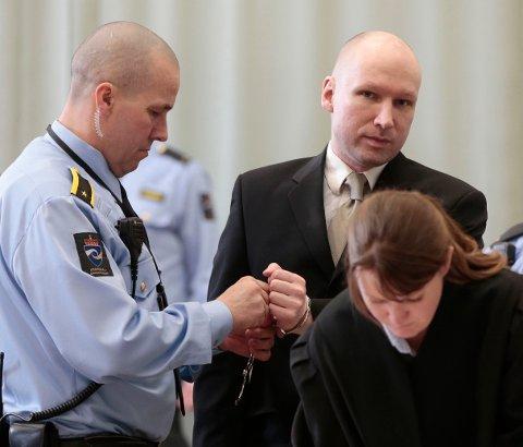Terrordømte Anders Behring Breivik vant delvis over staten i Oslo tingrett. Neste uke starter ankesaken innenfor murene i høysikkerhetsfengselet i Skien.