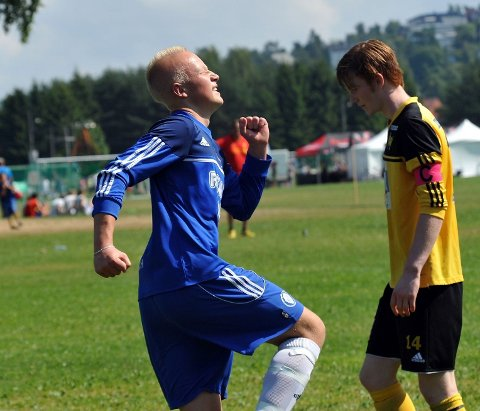 Julian Faye-Lund jublet hemningsløst da han scoret som spiss.