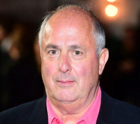 Den britiske regissøren Roger Michell, som blant annet sto bak «Notting Hill», er død. Foto: Ian West /PA via AP / NTB