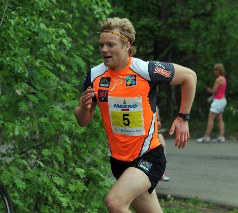 Eirik Brandsdal løp opp bakkene han vanligvis bruker til rulleskitreninger.