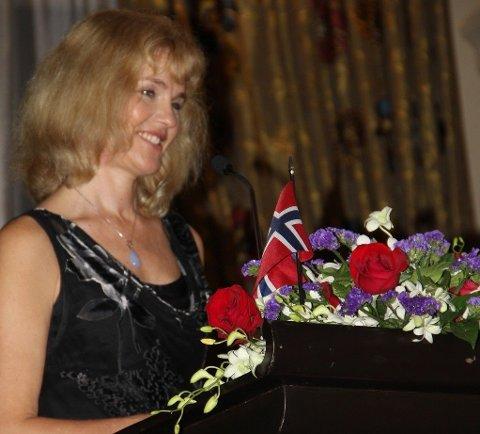 FRA AMBASSADØR TIL TELENOR-DIREKTØR: Norges ambassadør til Thailand og Kambodsja (og tidligere Myanmar), Katja Christina Nordgaard, blir ny konserndirektør i Telenor. Her fra ambassadens festmiddag i Bangkok 17. mai 2013.