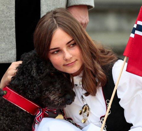 LEIR: Prinsesse Ingrid Alexandra deltok på konfirmasjonsleir sammen med Asker-ungdom i sommer. Foto: Lise Åserud / NTB scanpix