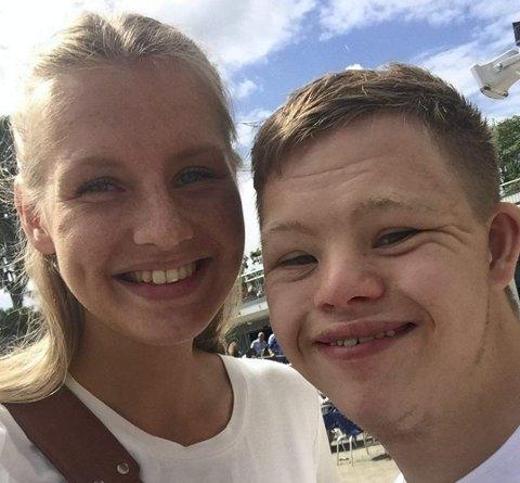 Malene Larsen Lussand og lillebror Mathias. I dette innlegget forteller Malene om livet med Mathias, som har Downs syndrom. Foto: PRIVAT