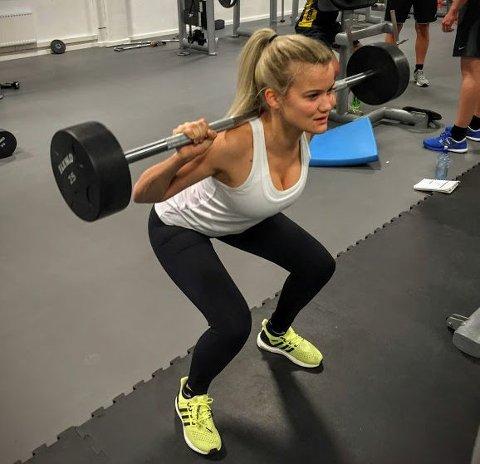 FAN AV KNEBØY: Sandra Lyng trener både styrke og kondisjon.