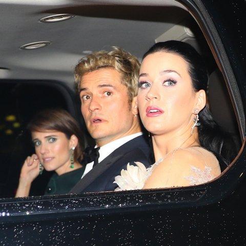 Orlando Bloom og Katy Perry er her knipset sammen i New York i november i fjor. Nå er forholdet på vent.