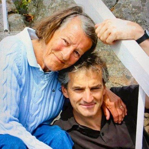 Jonas Gahr Støre er i sorg etter at hans mor er død.