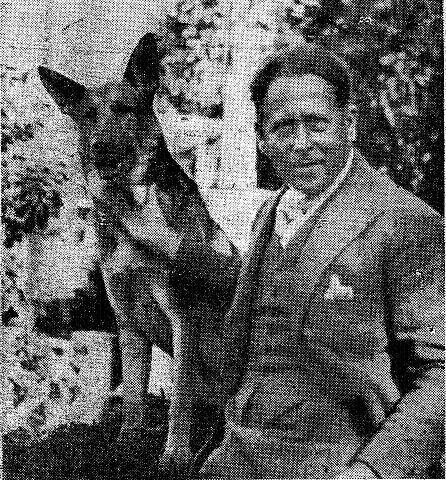 Doktor Christensen med sin trofaste hund, Tito.