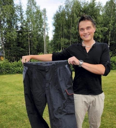 HALVERT: I dag får Jens Kristian plass i det ene låret i buksa fra «tjukkastida».