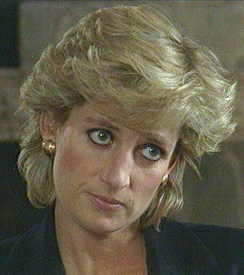Klipp fra intervjuet som prinsesse Diana gjorde med BBC-journalisten Martin Bashir i 1995.