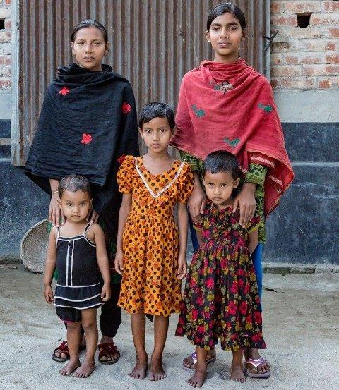 De fem søstrene sammen. Jasmin (18) (øverst fra venstre), Shorifa (13), Kushi (2), Lima (7) og Liza (4). Selv om eldstesøster er gift nå, kan hun heldigvis fortsatt komme på besøk.