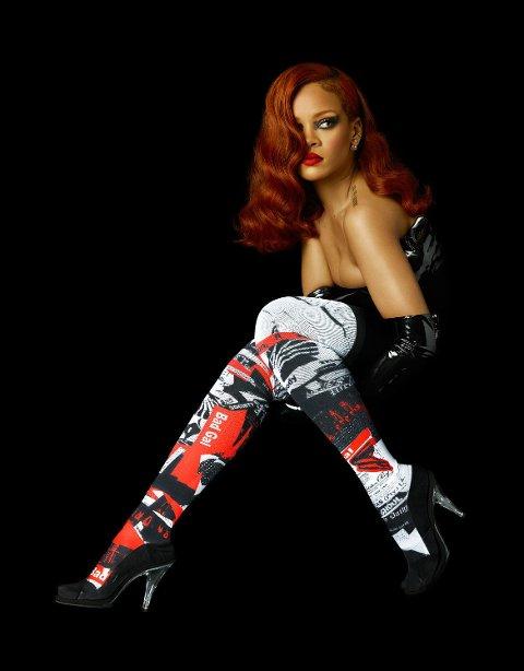 ATTITUDE: Det kommer kanskje ikke som en overraskelse at også sokkene til Rihanna hadde et helt eget stiluttrykk. Foto: Stance