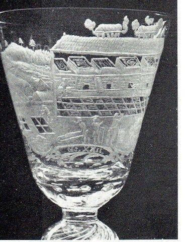 Glass fra Nøstetangen, motivet beskriver alunproduksjon.